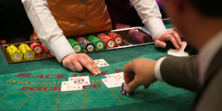 Which casino must be worth it? Reveal how to choose to play baccarat online